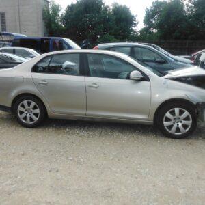 VW Jetta 2008a 1,6 75kw 001